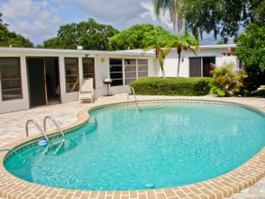 Belleair Bluffs Pool Home For Sale | 2192 Duncan St